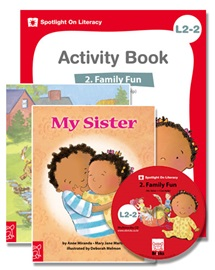 Spotlight on Literacy Level 2-2 Family Fun (2 Storybooks + 1 Activity Book + Multimedia CD)